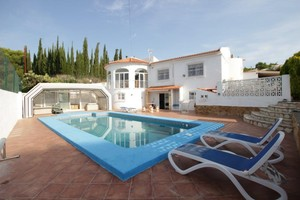 5 bedroom Villa for sale in La Nucia