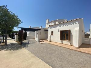 3 bedroom Villa for sale in El Valle Golf Resort
