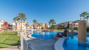 2 bedroom Apartment for sale in Altaona Golf
