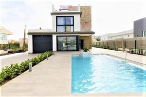 3 bedroom Villa for sale in Playa Honda