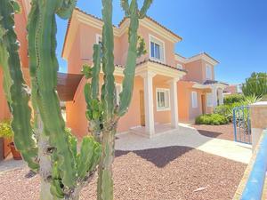 2 bedroom Villa for sale in Mosa Trajectum