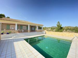 2 bedroom Villa for sale in Gea Y Truyols