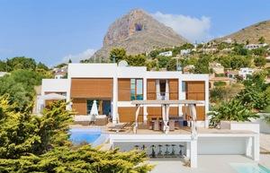 Modern villa for sale in Montgo Castellans
