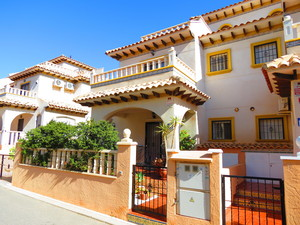 2 bedroom Townhouse for sale in Cabo Roig