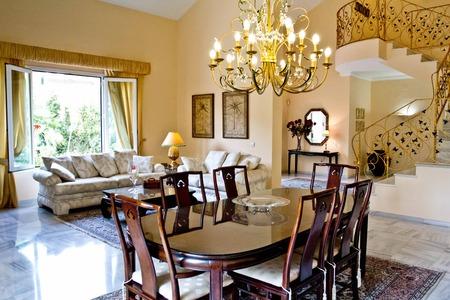 Вилла в Малага, площадь 550 м², 4 спальни