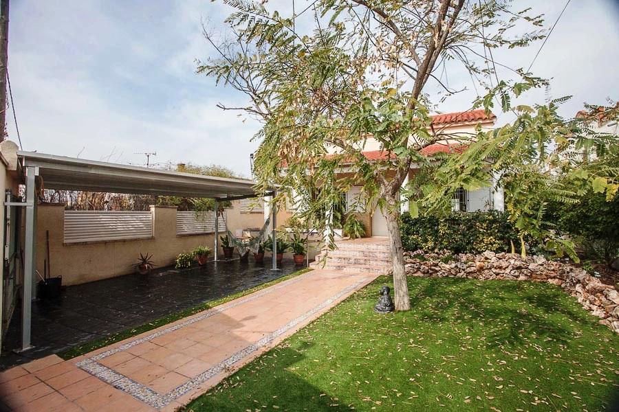 Вилла в Валенсия - Коста дель Азаар, площадь 140 м², 4 спальни