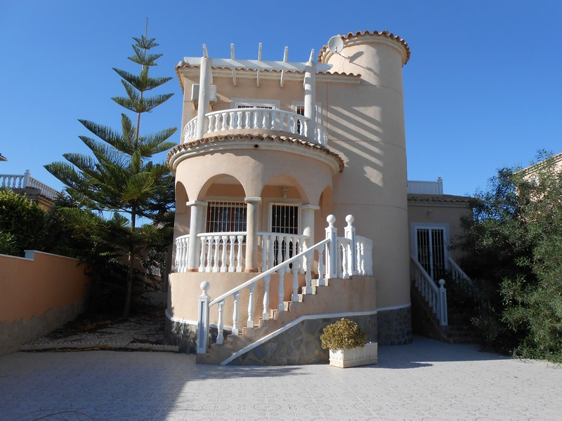Вилла в Аликанте - Коста Бланка, площадь 128 м², 4 спальни
