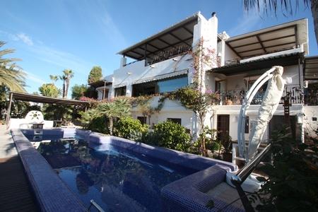 Вилла в Аликанте - Коста Бланка, площадь 400 м², 7 спален
