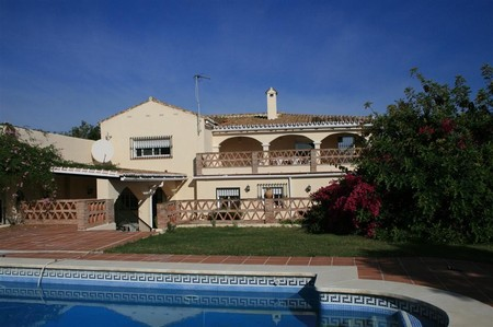 Вилла в Малага, площадь 741 м², 4 спальни