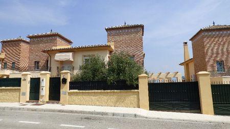 Villa in Torre Del Mar, Malaga