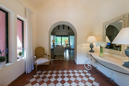 Вилла в Малага, площадь 599 м², 4 спальни