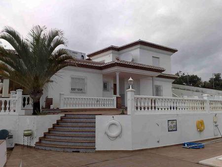Вилла в Малага, площадь 340 м², 4 спальни