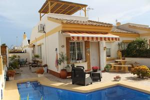 2 bedroom Villa for sale in Sucina
