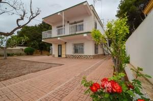 5 bedroom Villa for sale in Los Urrutias