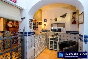 14 bedroom Winkel te koop in Nerja
