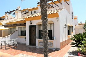 4 bedroom Villa for sale in La Zenia