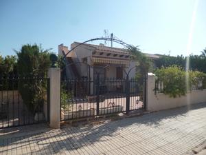 2 bedroom Villa for sale in Playa Flamenca