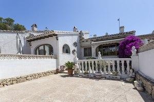 Villa for sale in Moraira