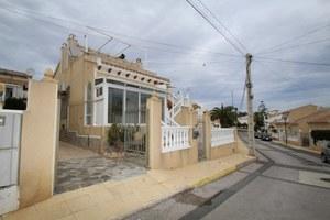 2 bedroom Villa for sale in Villamartin