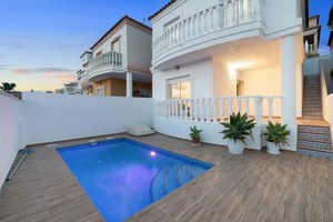 2 bedroom Villa for sale in El Galan