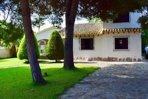 4 bedroom Villa for sale in Punta Prima
