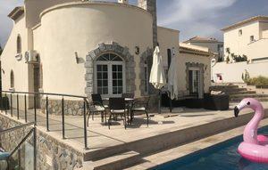 4 bedroom Villa for sale in Villamartin