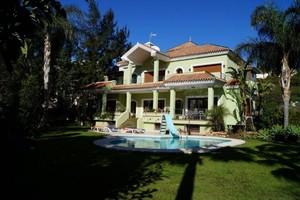 5 bedroom Villa for sale in Bel Air