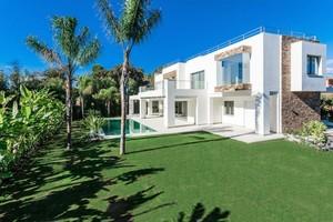 5 bedroom Villa for sale in Guadalmina