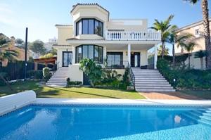 4 bedroom Villa for sale in Riviera Del Sol