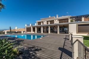 7 bedroom Villa for sale in Elviria