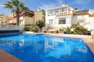 4 bedroom Villa for sale in Las Ramblas Golf