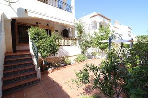 2 bedroom Villa se vende en Orihuela Costa