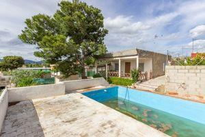 3 bedroom Villa for sale in Sax