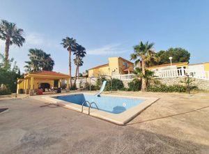 6 bedroom Villa se vende en Alicante