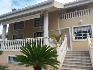 6 bedroom Villa te koop in Orihuela Costa