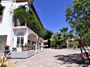5 bedroom Villa for sale in Novelda