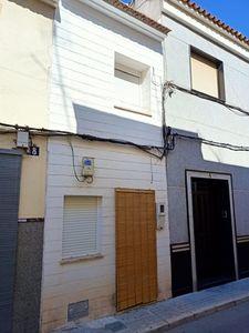 2 bedroom Adosado se vende en Novelda