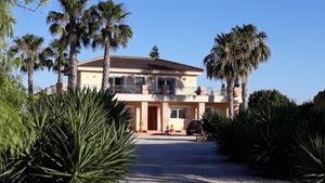 5 bedroom Villa te koop in Almoradi