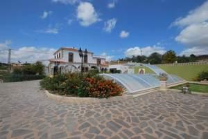 Villa de 5 dormitorio se vende en Moraira
