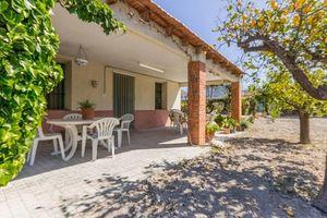 2 bedroom Villa for sale in Petrer