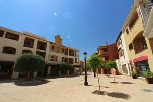 4 bedroom Geschakelde Woning te koop in Hacienda del Alamo Golf Resort