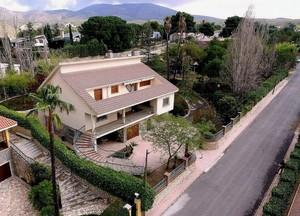 9 bedroom Villa te koop in Petrer