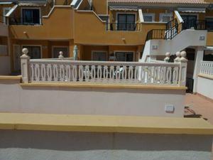 2 bedroom Villa for sale in Arenales del Sol