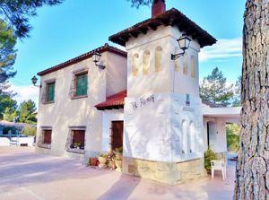 4 bedroom Villa for sale in Castalla