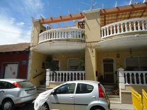 3 bedroom Townhouse for sale in Heredades