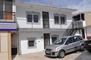 6 bedroom Geschakelde Woning te koop in Mahoya