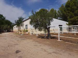 3 bedroom Villa for sale in Onil