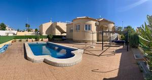 2 bedroom Villa te koop in La Marina