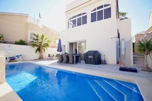 4 bedroom Villa for sale in Los Altos