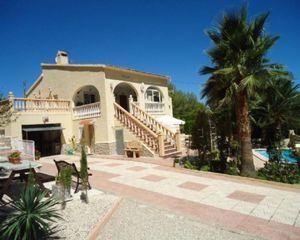 5 bedroom Villa for sale in Tibi